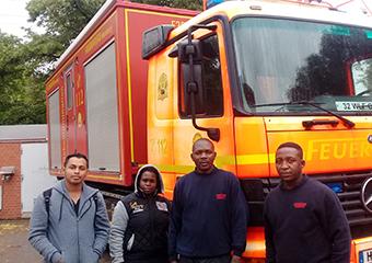 Feuerwehr Praktikanten aus Tansania